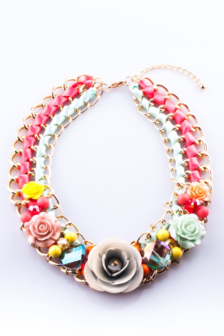 Colar de Mulher Jardim de Flores Colorido
